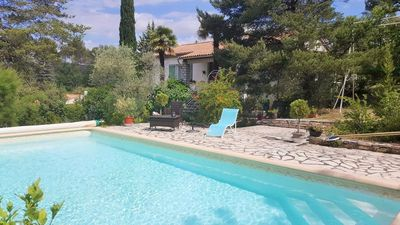 Photo for Charming villa in Luberon