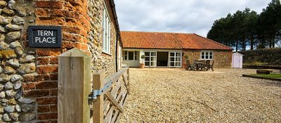 Photo for A luxurious barn conversion nestled in some of the most stunning scenery in the area. Pet friendly.