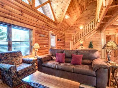 Photo for Natural Beauty, 2 Bedrooms, Sleeps 6, Hot Tub, Fireplace, Pool Table, WiFi