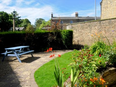 Photo for The Airman's Watch: Splendid Visit England 4* Property in Alnwick. Sleeps 2.