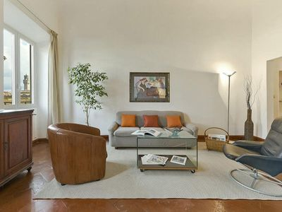 Photo for Spacious Peonia  Center apartment in Oltrarno with WiFi & integrated air conditioning.