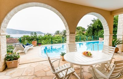 Boka Apartment 3, awesome place with swimming pool and magical sea view