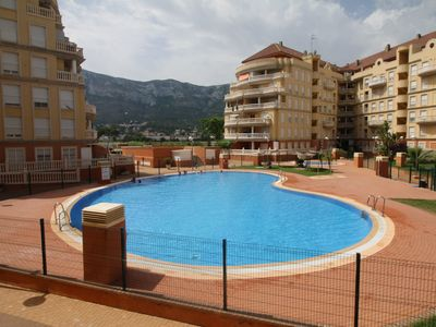 Photo for Penthouse for 4 people in the center of Denia, with communal pool and views