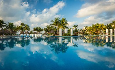 Photo for Golf Mayan Palace (1 bedroom suite)