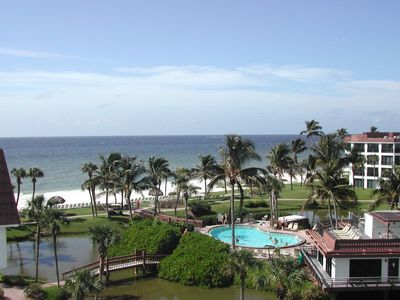Spectacular views of the Gulf of Mexico from your private roof-top deck
