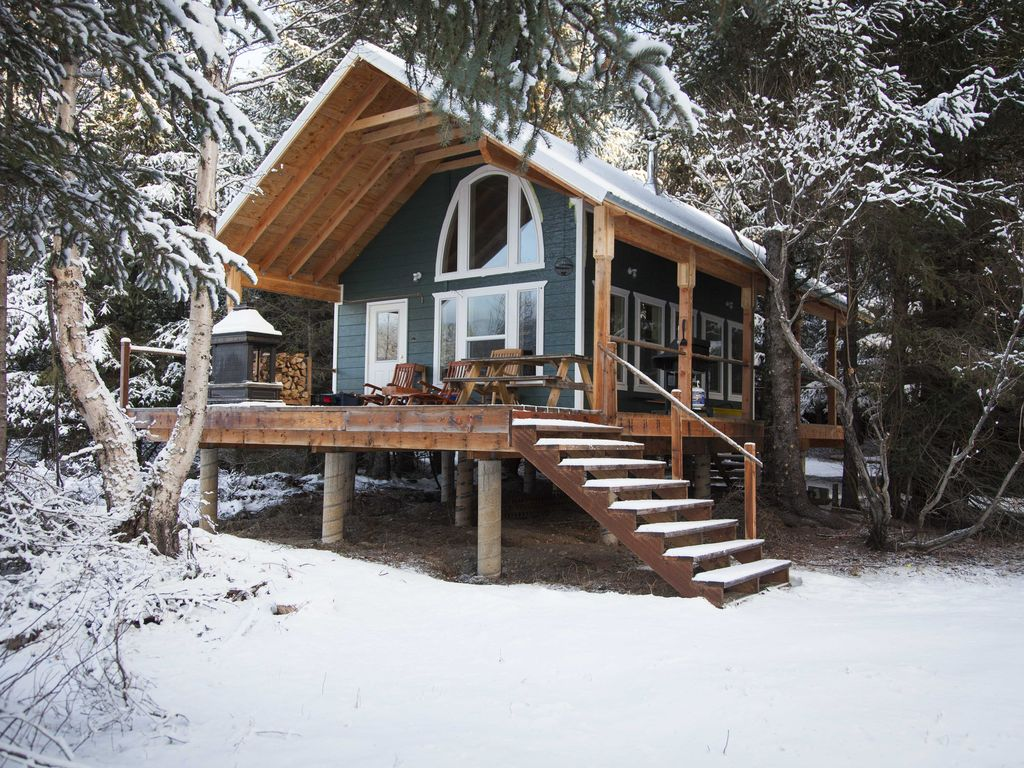 The ketchikan cabin at kenai lake alaska real simple for Alaska cottage