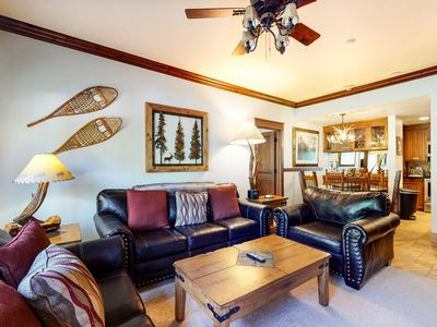 Photo for Resort condo w/shared pool & hot tub + private patio - near downtown & lifts!