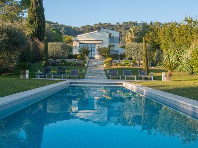Photo for Beautiful 170m2 house, pool, beautiful wooded grounds