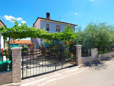 Photo for Apartment 1540/15670 (Istria - Pula), Budget accommodation, 1750m from the beach