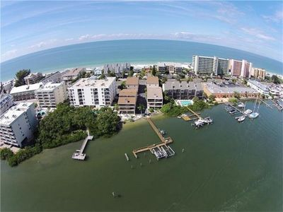 Photo for Beach Retreat Condo With Both Gulf And Intracoastal Access.