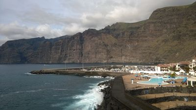 Photo for Cozy Apartment In the center of Los Gigantes. FREE HIGH SPEED WIFI.