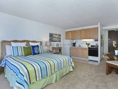 Photo for Heart of Waikiki studio on 20th floor - ocean views, WiFi, parking, sleeps 2.