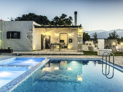 Photo for Cosy Traditional Villa - Private Pool - Perfect for families with children