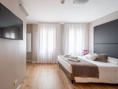 Photo for Quadruple Room - Rent for rooms for 4 people in Venice