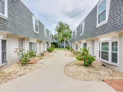 Photo for Quiet and Lovely Boutique Townhome 3 Blocks from the Beach