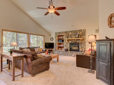 Photo for A spacious, single level home located on the quiet North end of Sunriver!