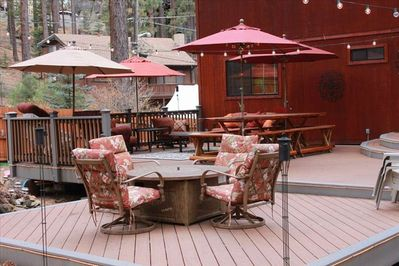 Beautiful, huge outdoor trex deck with firepit