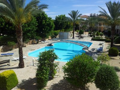 Photo for Luxury 2-bed Apartment (sleeps 6) with beautiful pool/gardens close to seafront