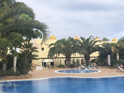 Photo for Corralejo Fuerteventura - pool facing 3 bed, 4 pools, 3 terraces south facing.