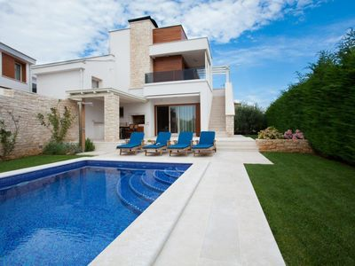 Photo for Luxury Villa With Swimming Pool  Near Poreč