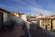 CHARMING APARTMENT in Santa Croce with Wifi. **Up to $-859 USD off - limited time** We respond 24/7