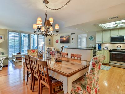 Photo for 2BD/2B CONDO ON SANIBEL WITH BEAUTIFUL UPDATES AND PERFECT FOR A FAMILY OF 6. YOU WON`T BE DISAPPOIN