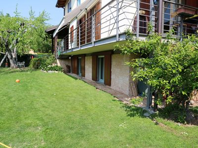 Photo for Centrally located 3-room apartment with large garden, only 100 meters from the lake
