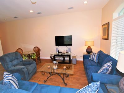 Remodeled Dec 2017:  Ground Floor -  2 minute walk to the Beach! BBQ Pit!