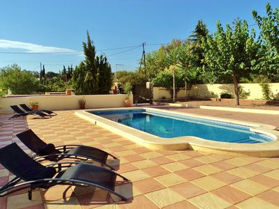 Photo for Lovely Villa in Busot, Nr El Campello, Alicante. Just 10 mins to the beach- WiFi