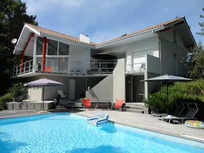 Photo for Pool, Golf, Lake, Sea, 5 bedr., 4 bathr., Gr. covered terraces, PRICE LAST MINUTE