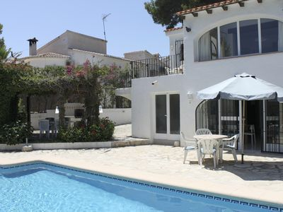 Photo for Cosy villa with own pool, climate, wifi, 4 bedrooms and sleeps 8 people