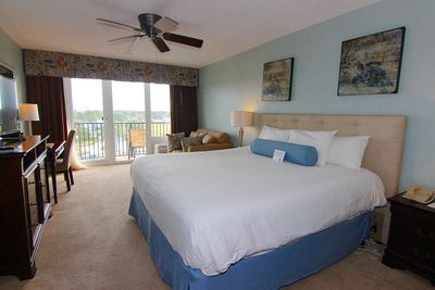 Beautiful Resort View Studio with King size bed!