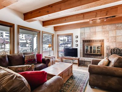 Photo for Rustic-Contemporary 3Br With Great Views