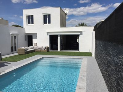 Photo for VILLA / HOUSE 120m2 with heated pool 200m from the beach