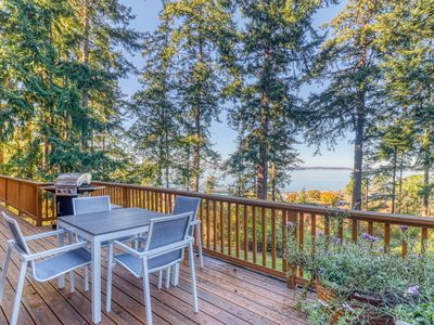 Photo for NEW LISTING! Northwest-style cabin with stunning views of the ocean!