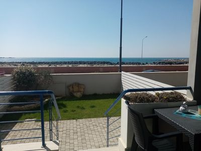 Photo for Seahouse Apartment with sea view 10 minutes from the airport