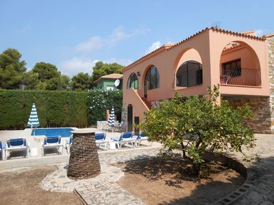 Photo for Calpe: villa with garden and with sea views and private pool, 600m from the beac