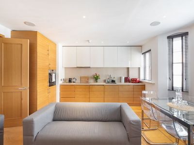 Photo for 3 BDR in Marylebone GP by The Residences