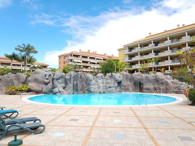 Photo for Luxury apartment with pool, private parking and gym