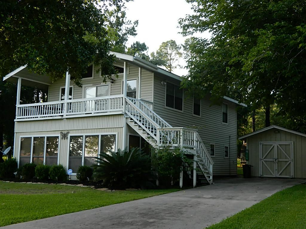 2 story lake livingston retreat with lake view not on for 2 story lake house