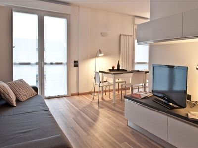 Photo for Candiani 3B apartment in Porta Garibaldi with WiFi, integrated air conditioning, balcony & lift.