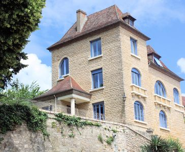Photo for Large house in the heart of Black Périgord and LASCAUX IV, park, heated pool