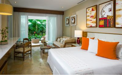 Photo for Grand Bliss luxury 5 star 2 bedroom suite w/ a Large Balcony with pool