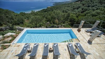 Photo for Beautifully located house with gorgeous views & stunning infinity pool