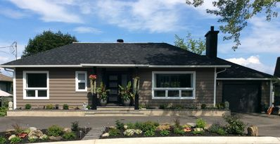 Photo for Fully renovated and furnished West-Island of Montreal bungalow