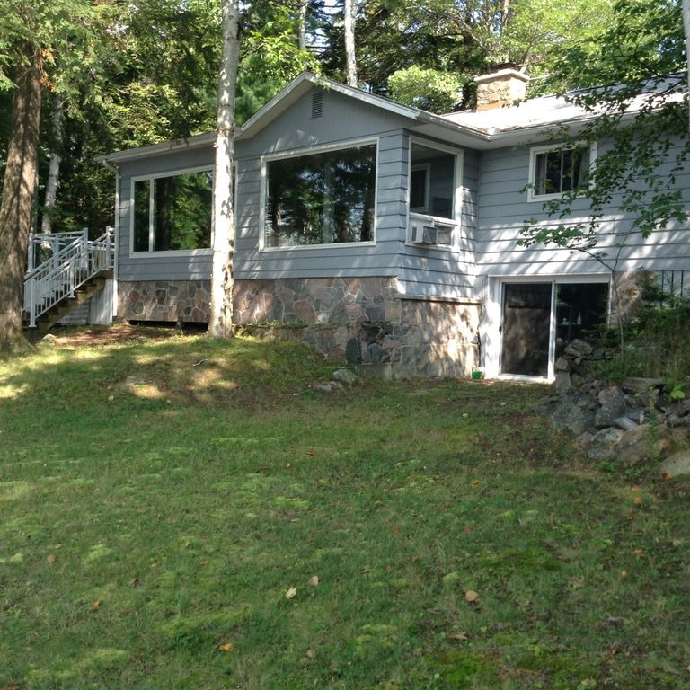 Beautiful Cottage On Lake Rosseau