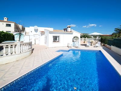 Photo for This 4-bedroom villa for up to 7 guests is located in Calpe and has a private swimming pool, air-con