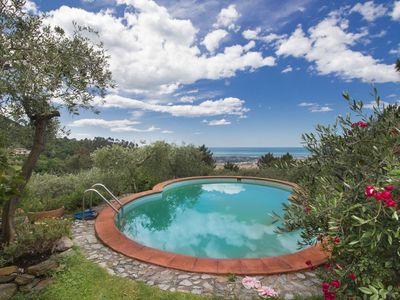 Photo for Apartment with A/C, WIFI, private pool, TV, balcony, pets allowed, parking, close to Forte Dei Marmi
