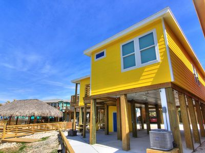 Photo for 4 bedroom 3.5 bath home, Community Pool, right in the heart of Port Aransas!