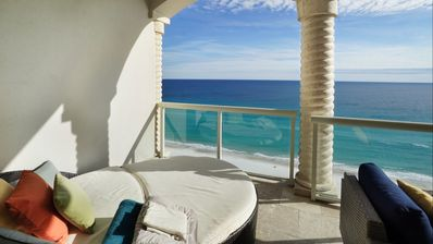 "Photo for ""Sunset Blues"" Spectacular Oceanfront View - Modern 19th Floor Condo"